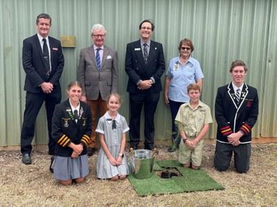 Governor & students Charters Towers St Gabriel's Qld 1 Sept 2021