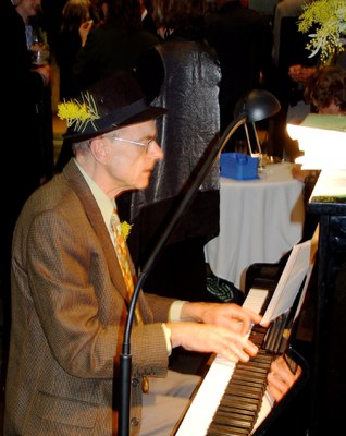 Rod Panter at the piano